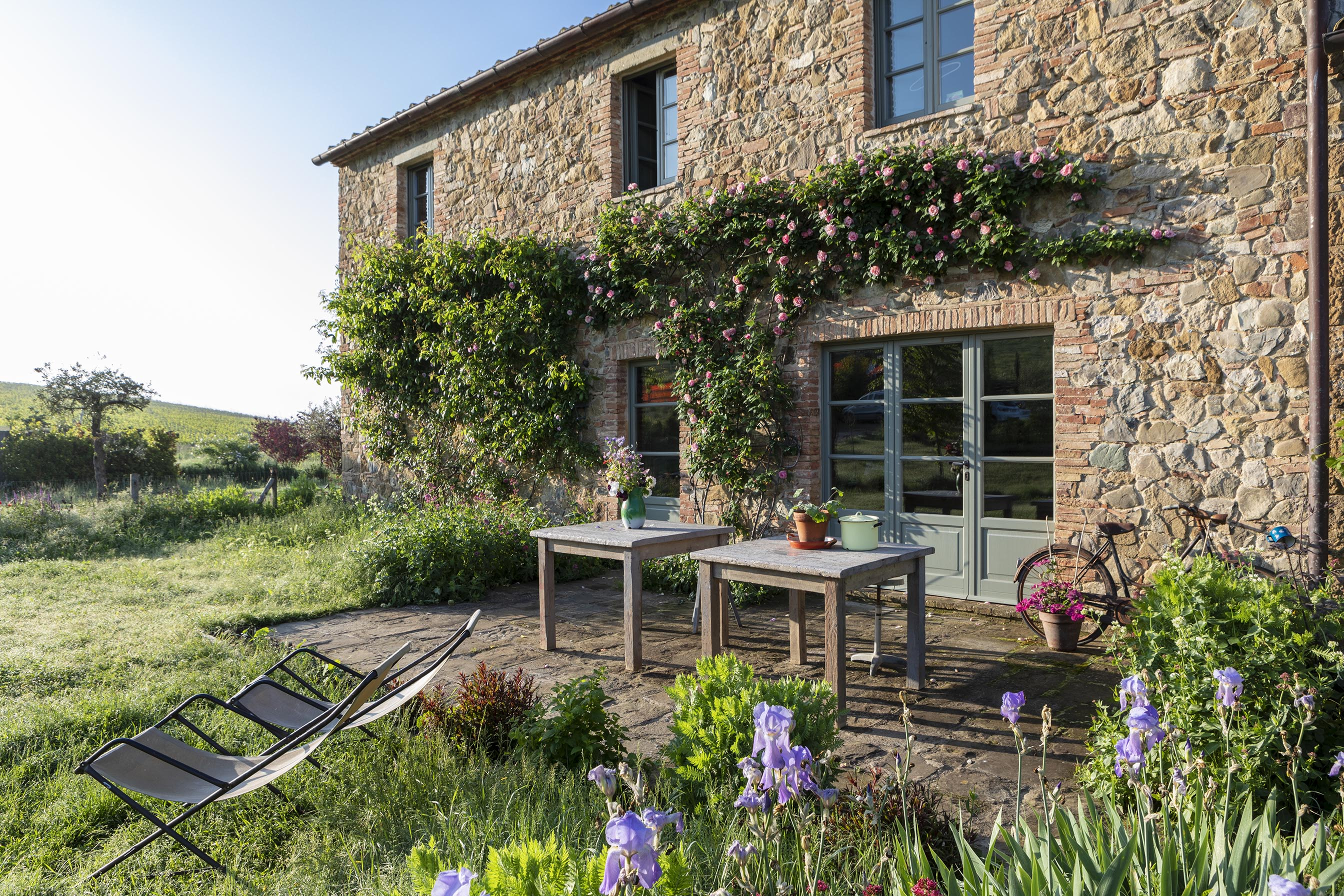 Follonico's beautiful back garden