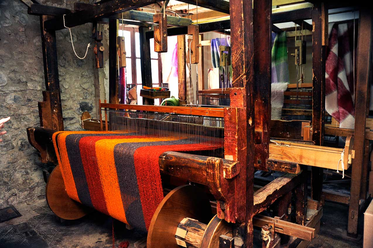 Spanish company Mantas Ezcaray is expert in producing fine mohair fabrics. www.mantasezcaray.com