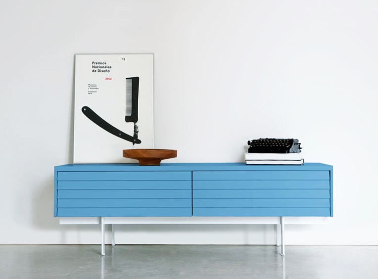 Spanish company Punt offers the Sussex range of sideboards. Choose from many woods, colours and conf