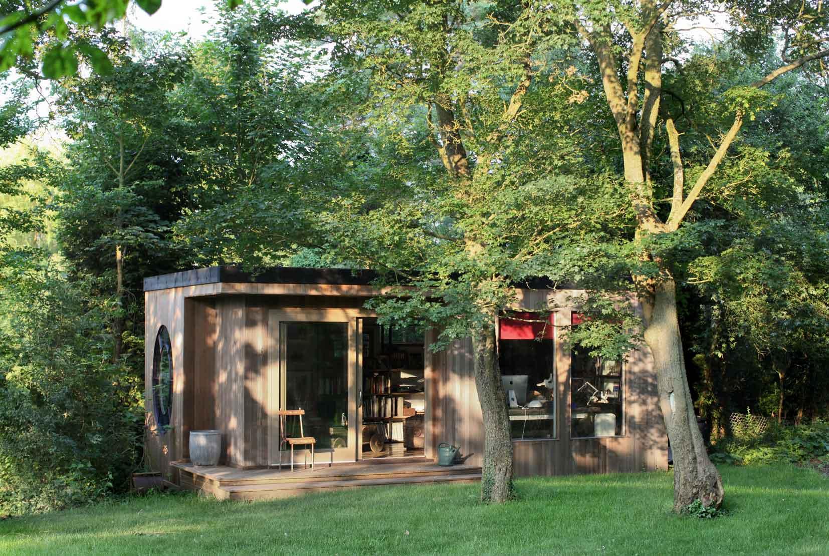 Harry Villiers splendid garden room