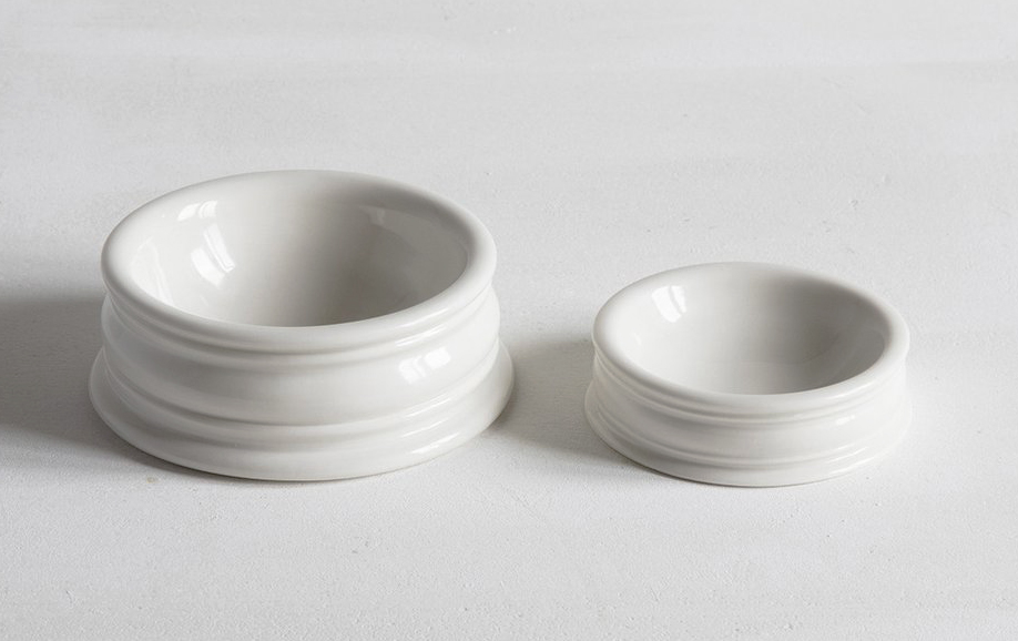 John Julian UK-made hand-thrown porcelain pinch pots are great for james, butter or olive oil. Small