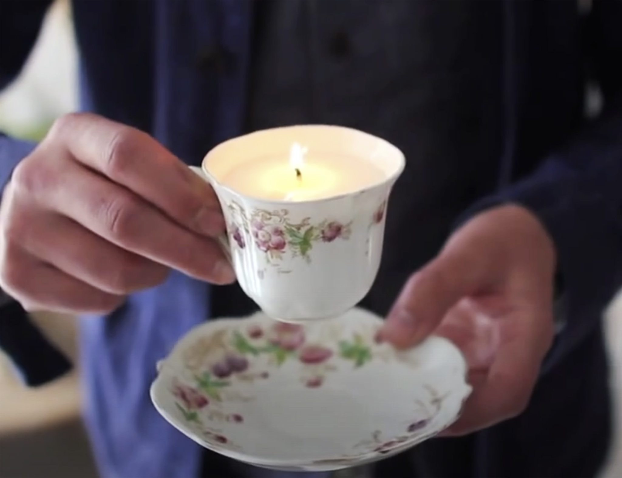 Oliver is a fan of upcycling..fill an old teacup with wax and voila..a candle