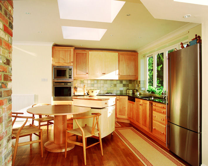 Kitchen made from American maple. Photo by Philip Koomen