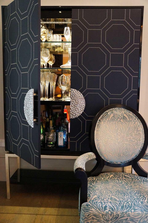 Splendid bespoke mirror-backed drinks cabinet by Hopwood