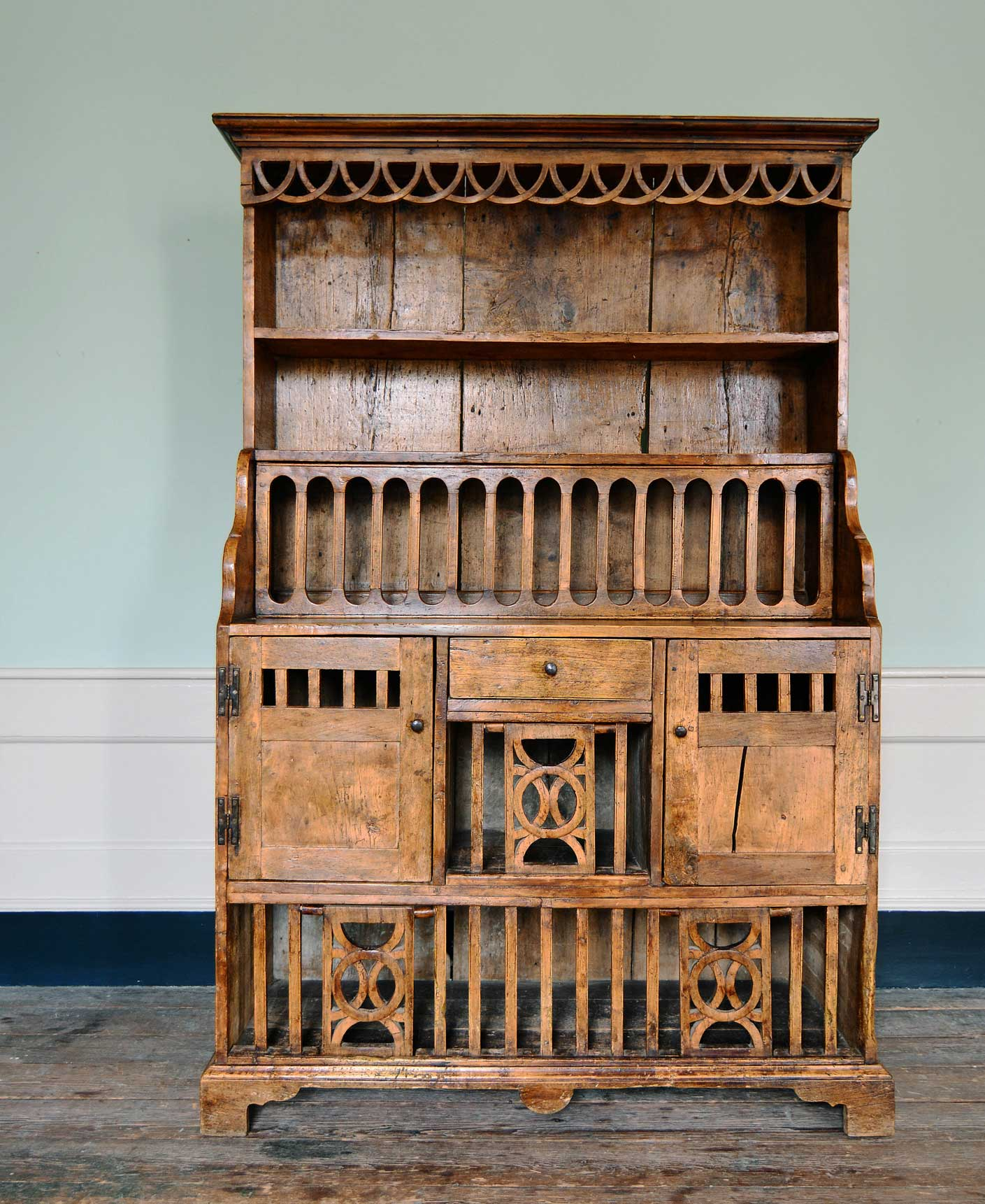 Vintage dresser from Lassco. Vintage furniture is invariably well made. www.lassco.co.uk
