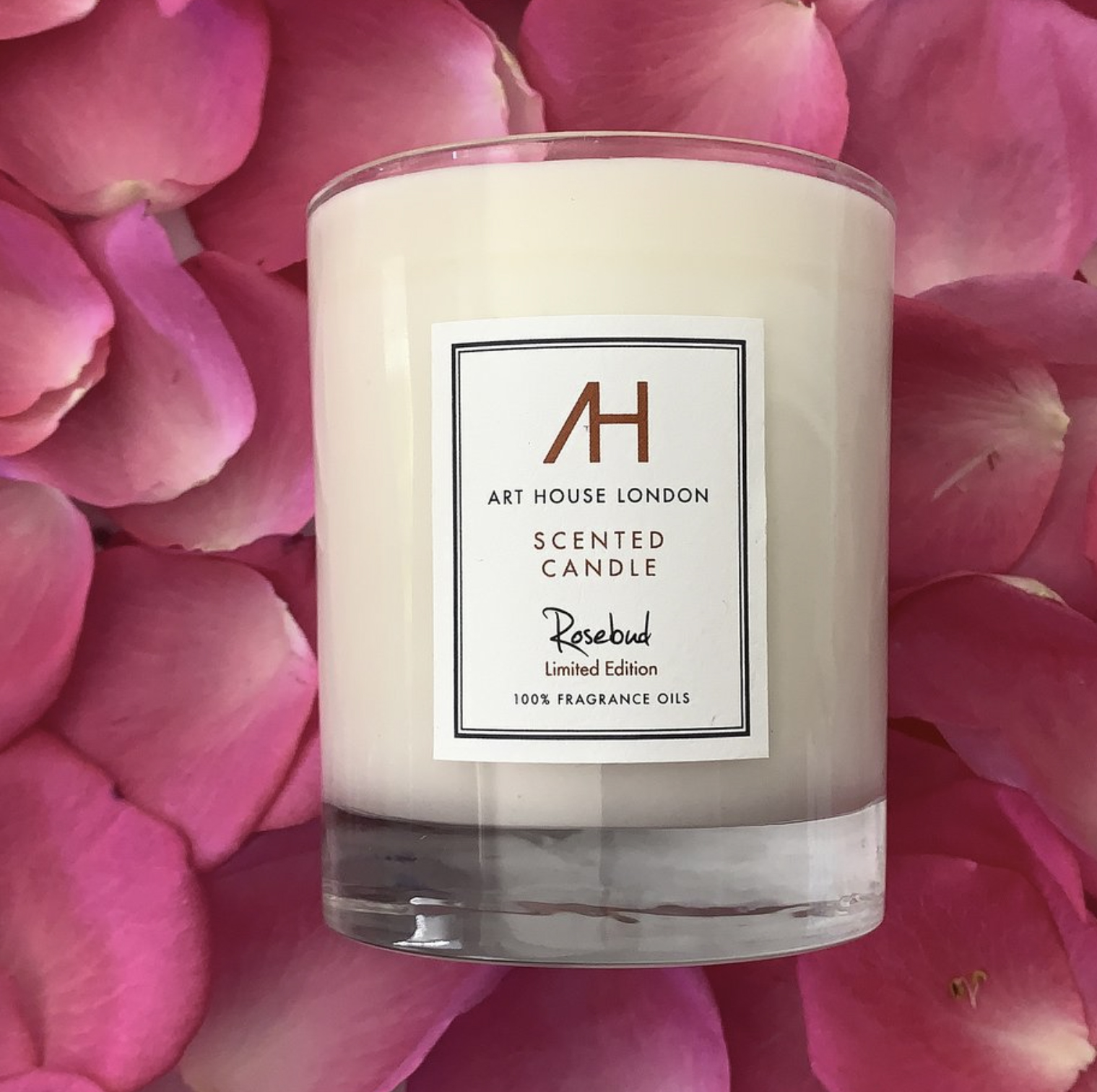 Art House London candles are hand-poured using soy and rapeseed waxes, 8 fragrances