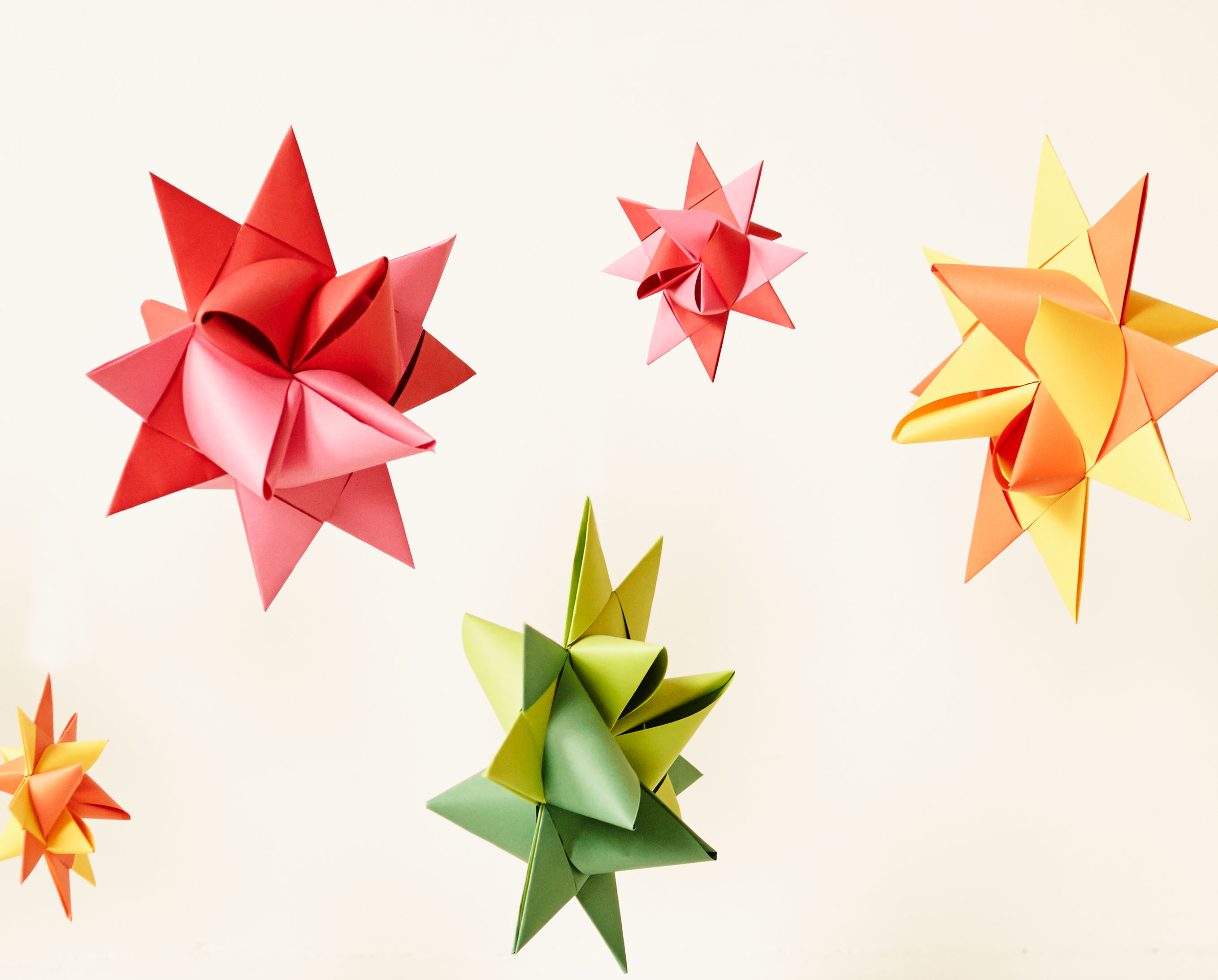 DejaOoh's gorgeous hand-made paper origami decorations come in a wide range of colours and sizes