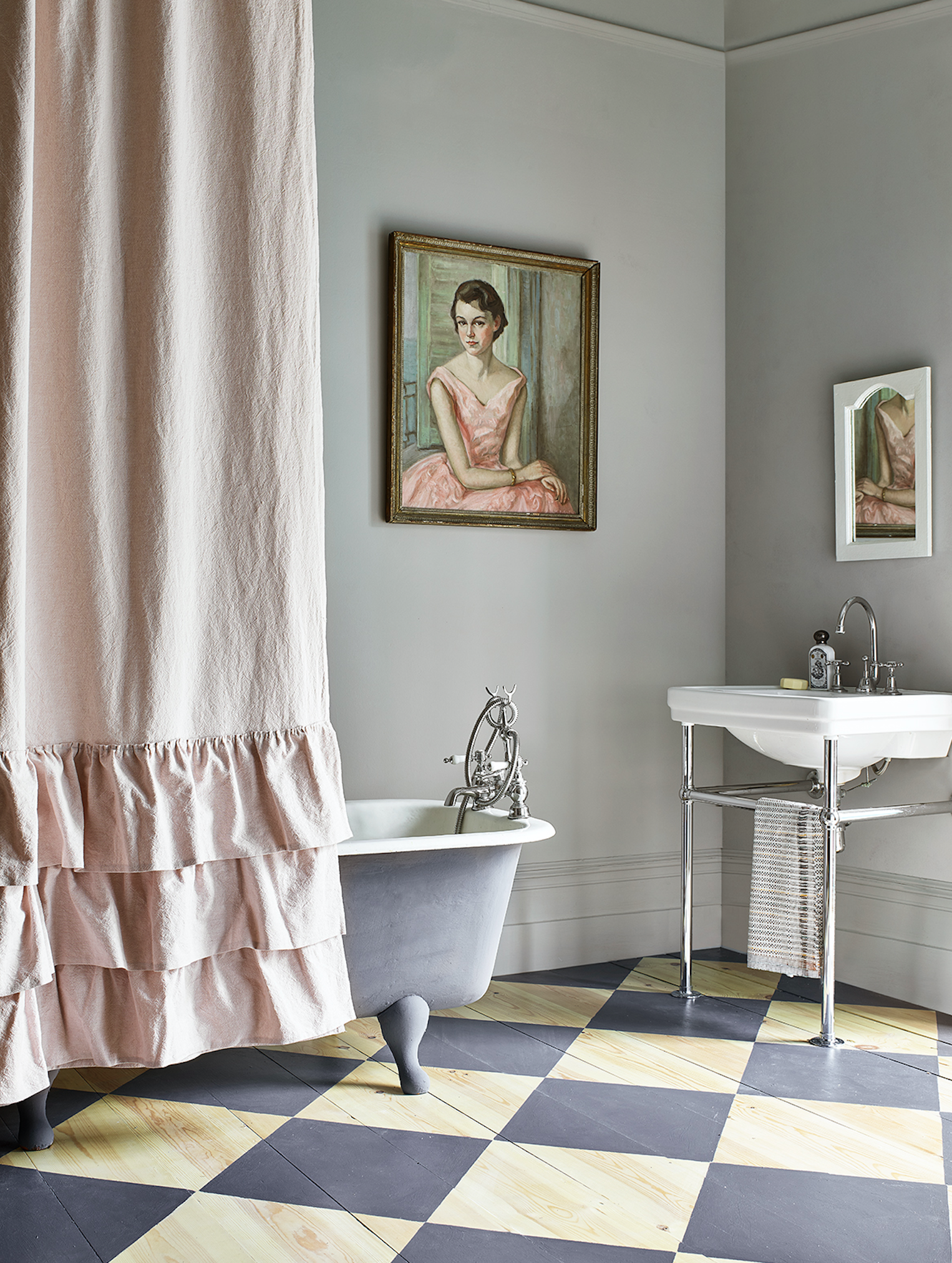 Annie Sloan chalk paint has been used in this bathroom