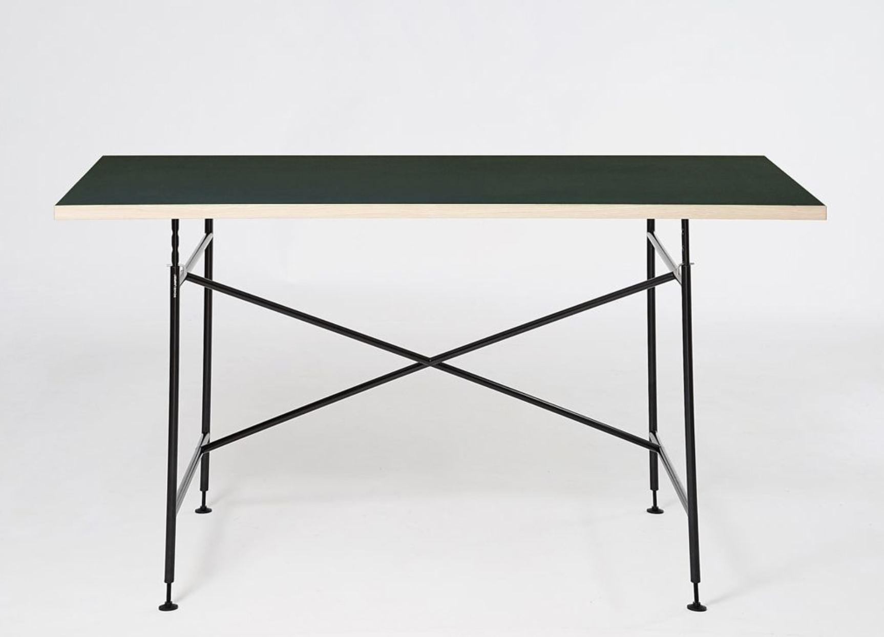 Eiermann desk grows with the child with its height adjustable frame
