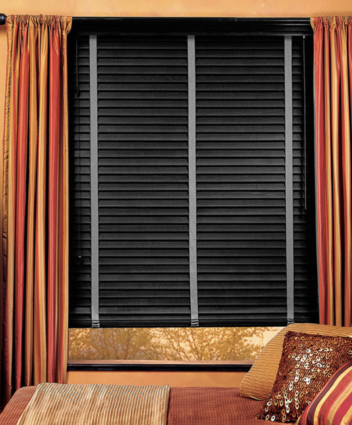 Wooden Venetian blinds can comes with visible tapes