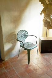 Cast aluminium Oblo chairs by Paola