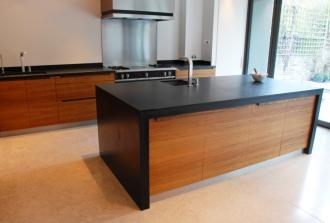 Bespoke kitchen by Leicestershire-based Sealey Furniture