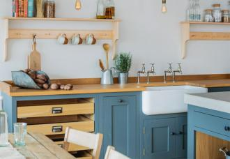 Sustainable Kitchens is based in Bristol and makes eco friendly wood kitchens
