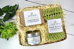 Soapdaze set from Wearth London comprises large handmade soap, recycled cotton knitted face cloth and soy wax scented candle. Made in Devon. £21.50 www.wearthlondon.com