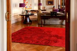 Roses rug by Jordi Labanda for Barcelona-based Dac rugs. 170x240cms, around £1,600. NZ wool. Order online, www.alfombrasdac.com