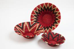 Bold and pretty stacking grass baskets woven in Swaziland, £68 for set of 3 at Porcupine Rocks