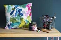 Catrin linen cushion