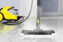 Karcher SC5-800 steam cleaner in action