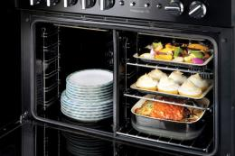 Rangemaster Pro Plus 90X oven can be divided into two ovens to save energy