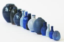 Tiny pots in blue