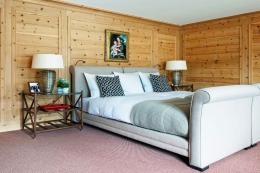 Interior designer Mark Gillette has not drowned this bed in cushions
