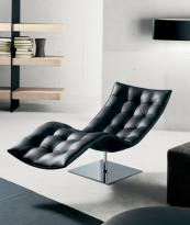 Aniline leather chaise from Casadesus. www.casadesus.net