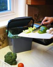 Urba 7L recyclable polypropylene counter bin by Peter Ridley, www.peterridley.co.uk