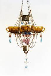 Teacup chandelier by Madeleine Boulesteix. www.madeleineboulesteix.co.uk