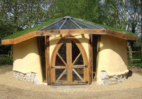 Try Your Hand At Building A Cob Studio | Deco   Inspiration ...