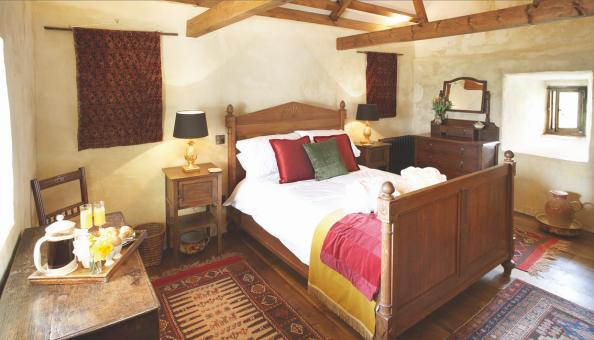 The master bedroom in Scargill Castle
