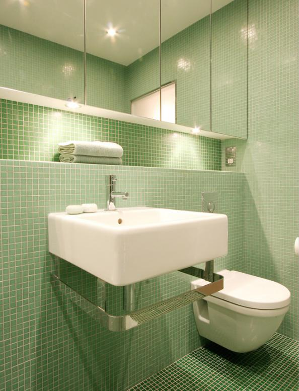 Case study glass mosaic is perfect for small bathrooms for Small bathroom no natural light