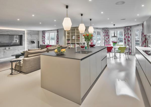 Sphere8 poured floor in a south London house by Paul Warren Design