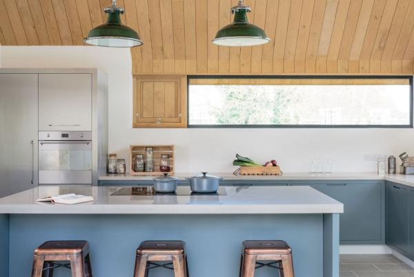 American White Oak kitchen by Sustainable Kitchens in Bristol